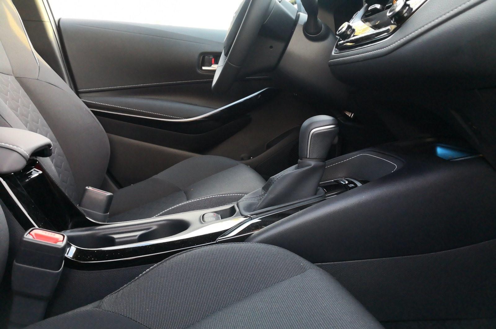 Foto de Toyota Corolla 125H - Imágenes del interior (8/14)