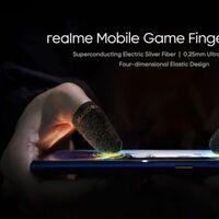 Realme se lanza a por el 'gaming' móvil con fundas con plata para los dedos, mandos a lo 'Joy-con' y un ventilador con luz RGB