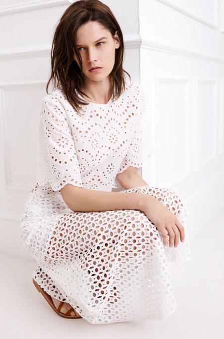 Zara se casa de blanco con el color de la primavera
