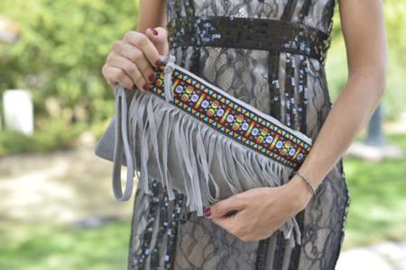 Bolso étnico de flecos de estilo Hippy-Chic: ¿te gusta como bandolera o lo prefieres como clutch?