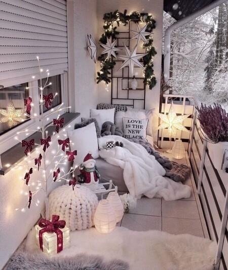 Tres ideas de balcones decorados de Navidad que puedes diseñar tú misma para ser la envidia del vecindario