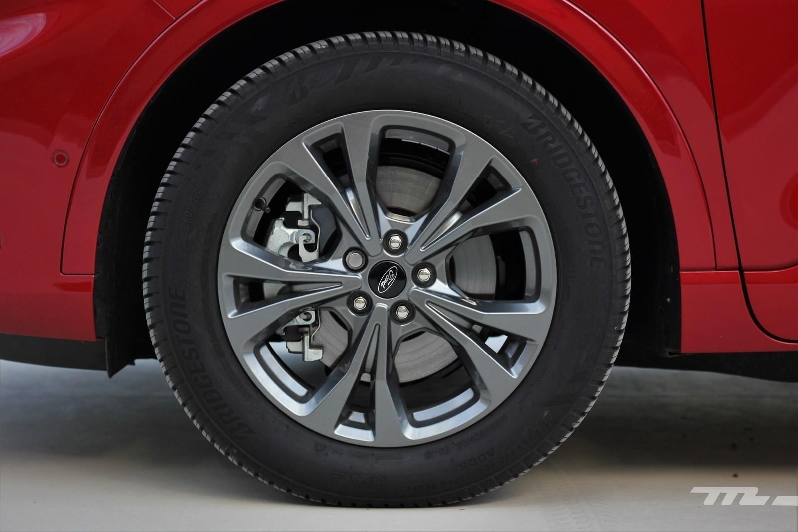 Foto de Ford Kuga 2020 - prueba (37/55)