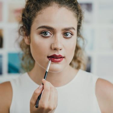 YouTube reinventa los tutoriales de belleza con una función de realidad aumentada que permitirá probar el maquillaje en el momento
