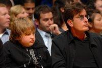 Charlie Sheen no seguirá en 'Dos Hombres y Medio'