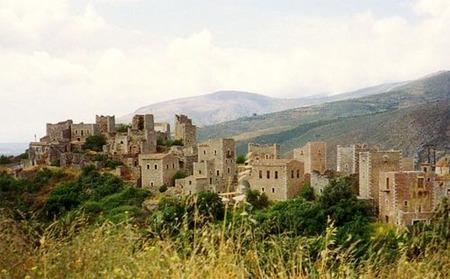 Pueblo fortificado en la península de Mani