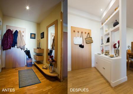 Antes y después; de entrada pequeña y oscura a entrada luminosa abierta al salón