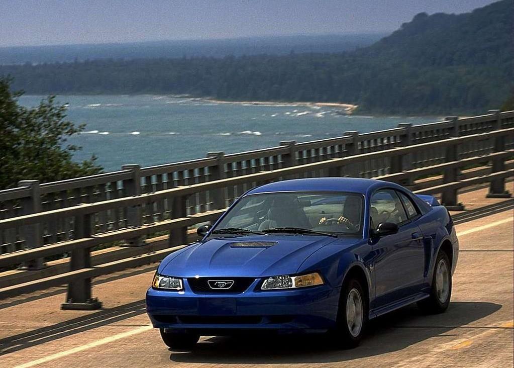 Foto de Nuevo Ford Mustang 2000 (6/9)