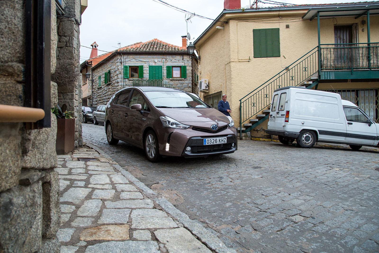 Foto de Toyota Prius+ Adanvance - Fotos de acción (1/16)