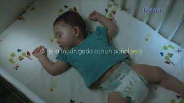 Por mucho que aciertes en la elección de los pañales tu bebé no dormirá del tirón