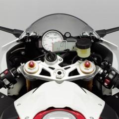 Foto 24 de 145 de la galería bmw-s1000rr-version-2012-siguendo-la-linea-marcada en Motorpasion Moto