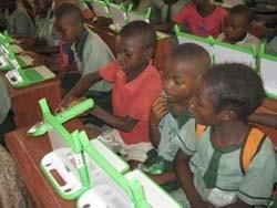 Ordenadores para enseñar a los niños de los países en desarrollo
