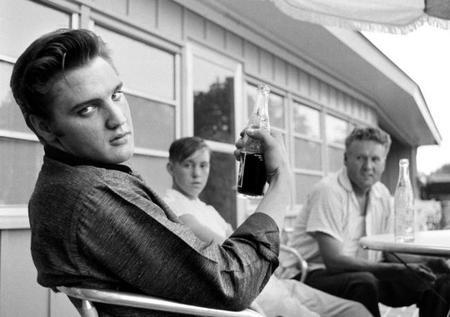 Filtros degradados, Elvis Presley fotografiado, motion blur, y mucho más: Galaxia Xataka Foto
