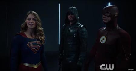 The CW promociona a sus superhéroes con su propio Club de la Lucha