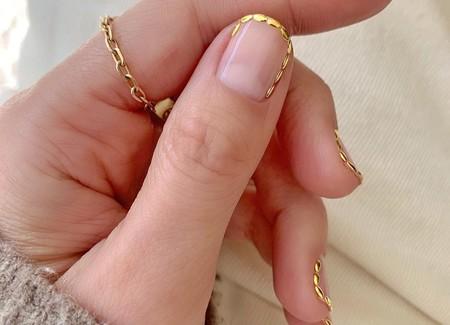 Así son las uñas festoneadas que llevarán al siguiente nivel nuestra manicura francesa