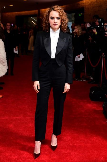 daisy ridley look estilismo outfit