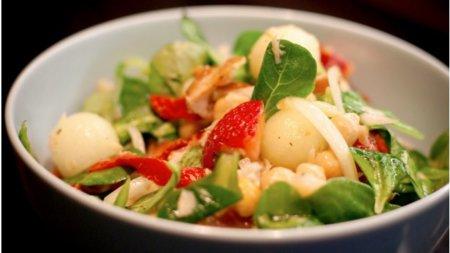 En verano, incorpora pasta y legumbres a tus ensaladas