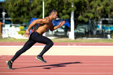 Tres ejercicios imprescindibles para trabajar el core si eres runner