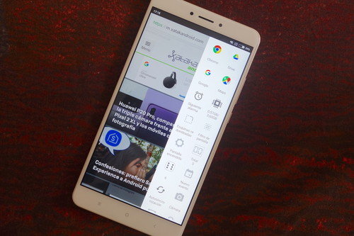 Siete aplicaciones para añadir accesos rápidos en el borde lateral de tu Android