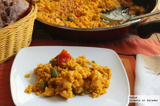 Arroz moruno de pollo y pimientos con especias marroquíes, receta fusión