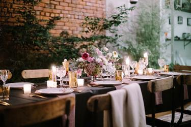 Feliz cumpleaños: una mesa decorada de forma única para celebrarlo
