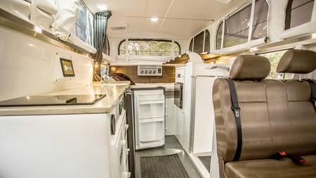 Mercedes Unimog Earthcruiser Camper 0819 019