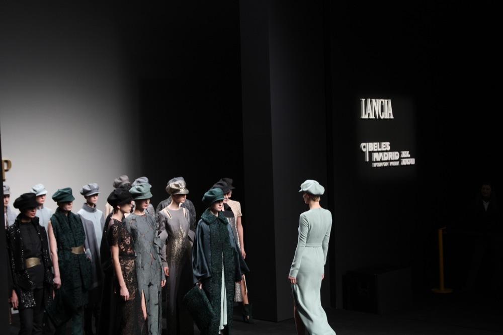 Foto de Jesús del Pozo en la Cibeles Fashion Week Otoño-Invierno 2011/2012 (50/71)