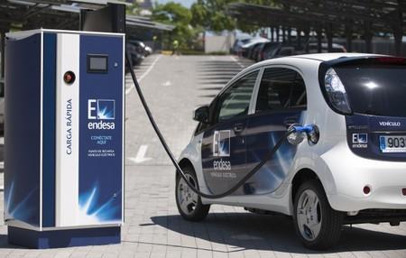 Punto de recarga rápida vehículo eléctrico Endesa