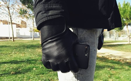 Mujjo Touchscreen Gloves, los guantes de piel compatibles con la pantalla de tu iPhone y Apple Watch