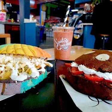 Las conchas rellenas de chilaquiles, pastor y cochinita son una realidad en este restaurante de la CDMX