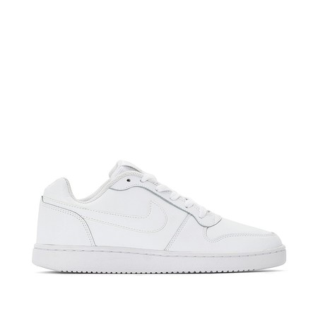 78b688b28a4 5 zapatillas blancas de marca que encontrarás en oferta en La ...