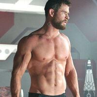 """""""Si adelgazase de manera enfermiza para un papel, me considerarían un actor serio"""". Chris Hemsworth cree que su físico perjudica su imagen como intérprete"""