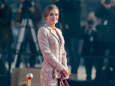 Un sí rotundo al look 'total nude' de la reina Letizia