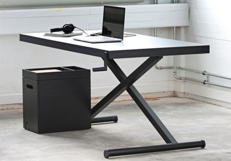 XTable by KiBiSi, la mesa de trabajo graduable en altura a golpe de manivela