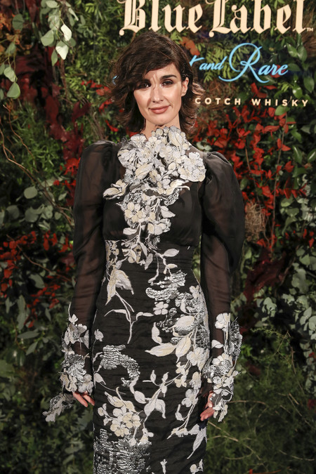 Paz Vega y su vestido barroco que no deja lugar a la sobriedad, así ha lucido la sevillana entre tanta flor