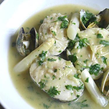 Cómo hacer merluza en salsa verde: receta clásica vasca