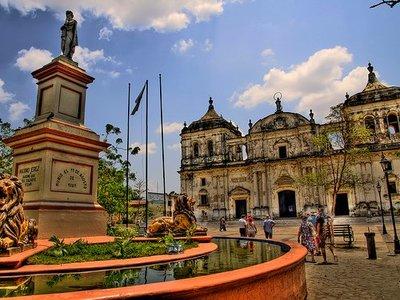 León y Granada, ciudades turísticas de Nicaragua