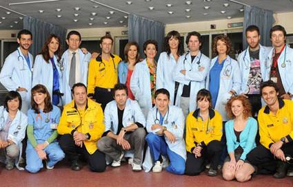 Telecinco no emitirá íntegro el primer episodio de Hospital Central: empezaba con un accidente de avión