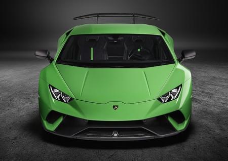 Lamborghini es especialista en fibra de carbono, por ello ya trabaja para ayudar a crear prótesis más resistentes