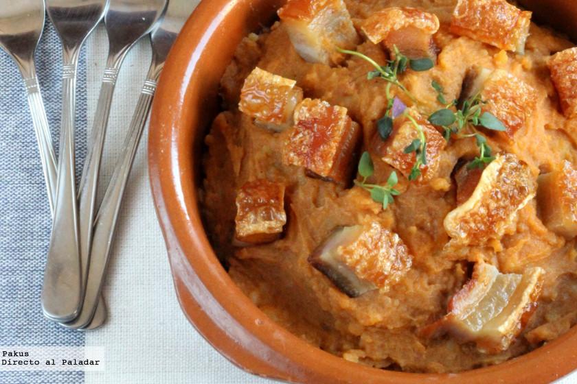Torreznos con patatas revolconas, receta de picoteo