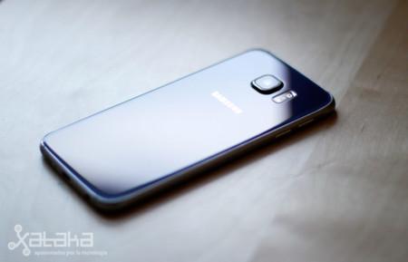 Samsung rebajará el precio de sus Galaxy S6 tras caer los beneficios de su división móvil