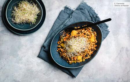 Ensalada de lentejas con verduras caramelizadas y naranja: receta vegetariana para no tomar legumbres siempre de la misma manera