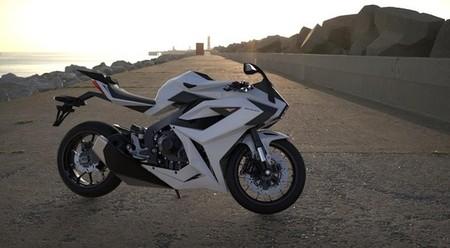 Chak Molot, en busca de la máxima seguridad activa y pasiva para las motos