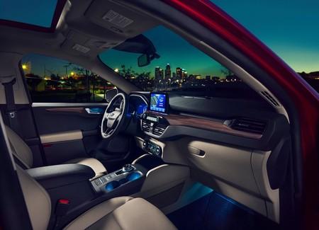Ford Escape 2020 1600 09