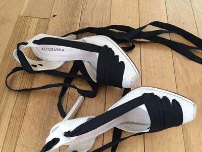 Clonados y pillados: las alpargatas con tiras de Altuzarra tienen un doble en Zara