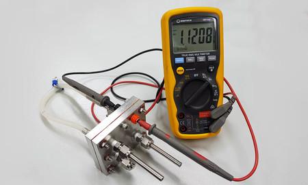 La primera batería recargable de protones es igual de eficiente que una de ion litio, pero cuesta y contamina menos