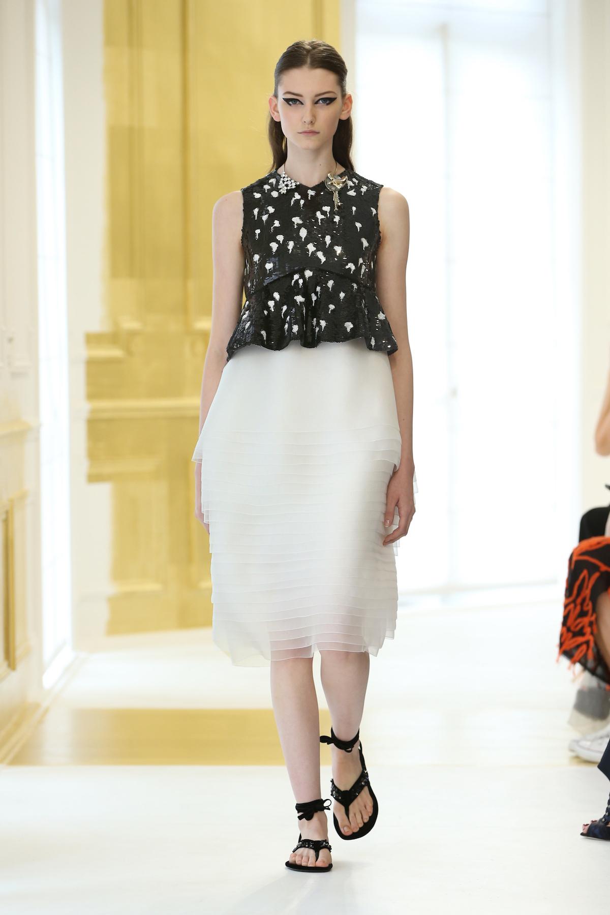 Foto de Dior Alta Costura Invierno 2016 (28/46)