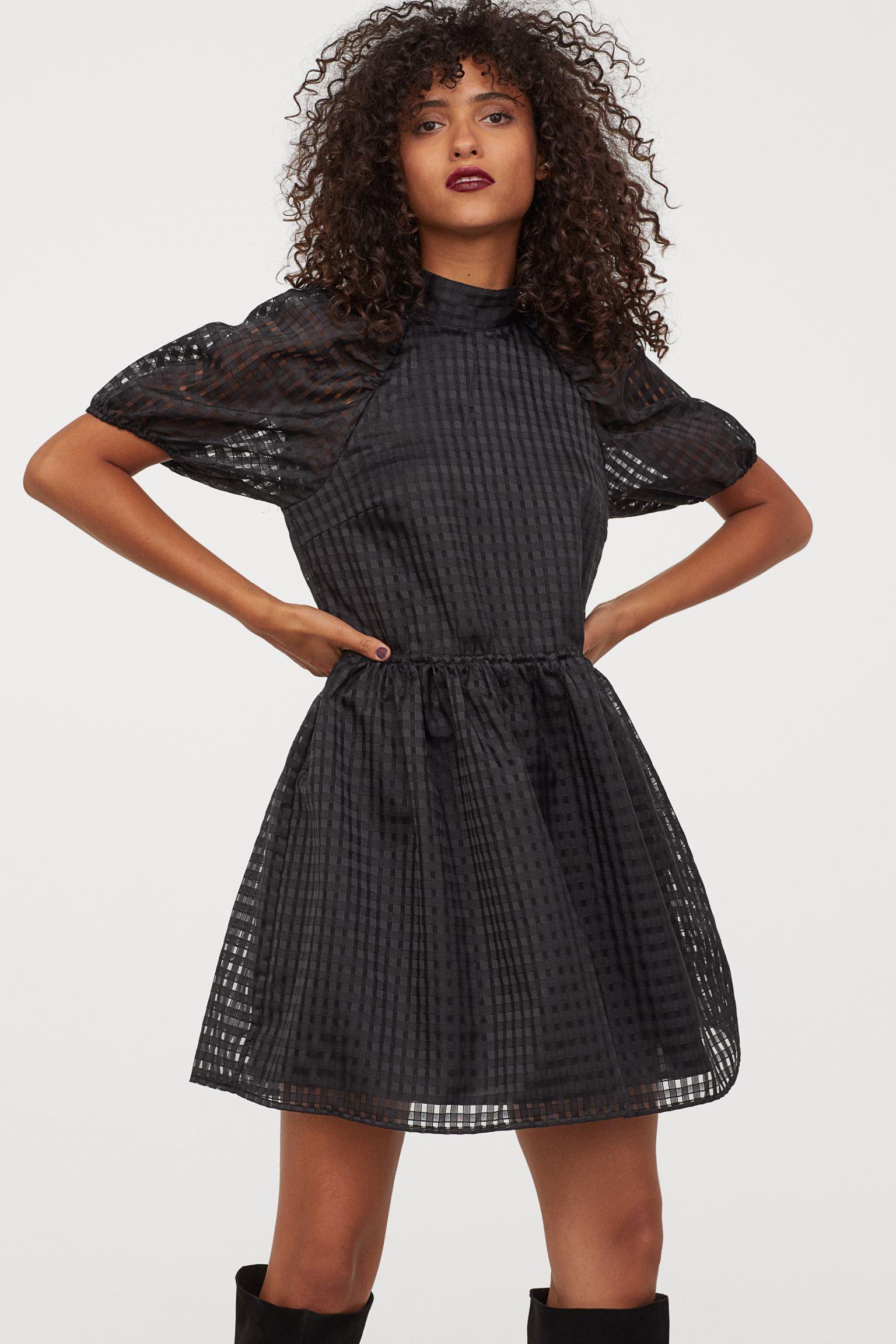 Vestido corto con mangas abullonadas de mujer