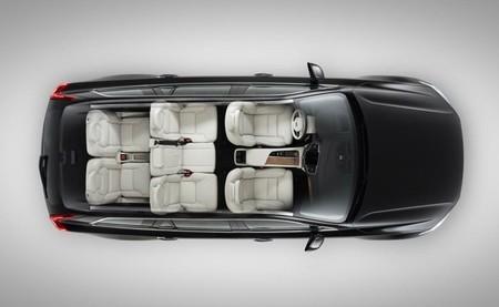 Volvo se apunta a vender los coches por internet y a prescindir de algunos salones del automóvil