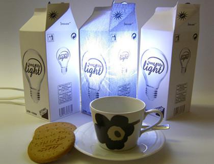 Luz en paquetes de leche