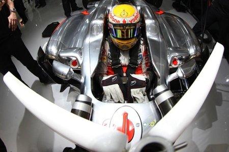 GP de Abu Dhabi F1 2011: Lewis Hamilton primero; Vettel y Alonso se estrellan